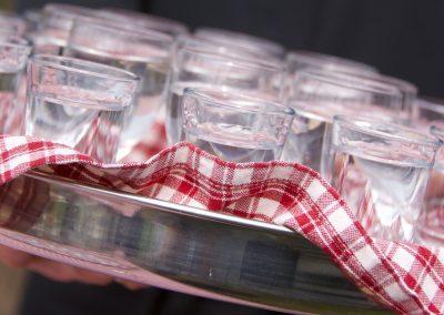 glaswerk en boerendoek bij uitvaart
